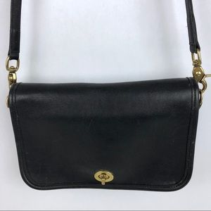 Coach Bags - Vintage Coach Purse Crossbody Handbag Shoulder Bag